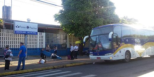 Passageiros foram agredidos durante assalto a ônibus com estudantes de Ilha Solteira